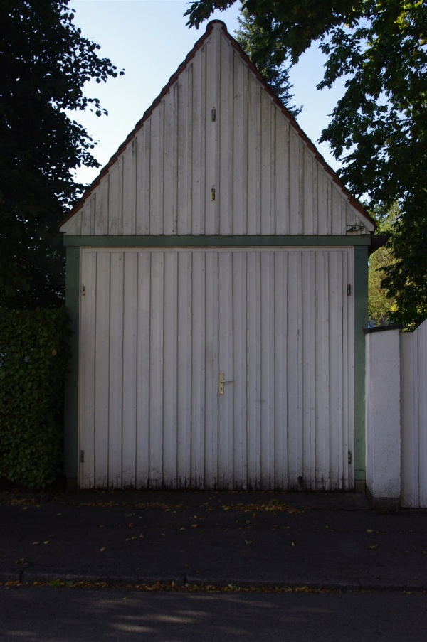 Gerhard Grabsdorf, Garage