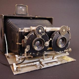 Intro, Historische Stereokamera
